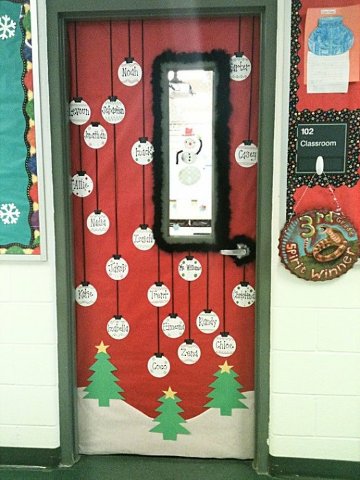 53 classroom door decoration projects for teachers for Nursing home christmas door decorations