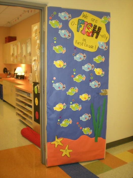 53 classroom door decoration projects for teachers for Nursery class door decoration