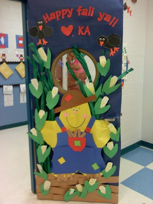 53 classroom door decoration projects for teachers for Autumn classroom door decoration ideas