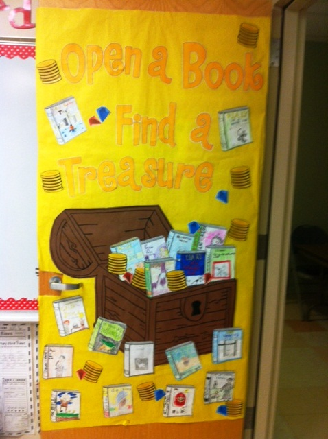 Reading Classroom Decorations ~ Classroom door decoration projects for teachers