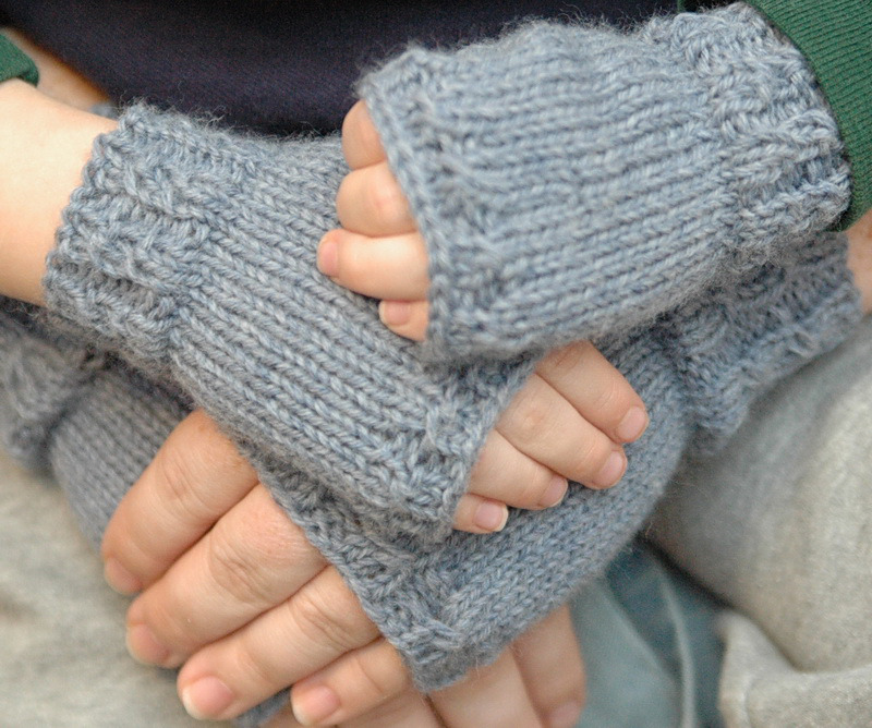 Fingerless Gloves Knitting Pattern For Toddlers : 40 Mittens and Gloves Crafts to Make