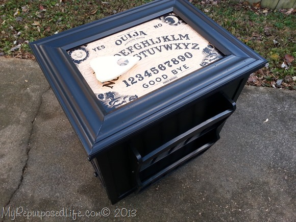 ouija-board-game-table