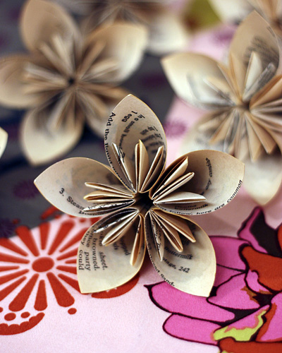 40 pretty paper flower crafts tutorials ideas diy kusudama paper flowers mightylinksfo Choice Image