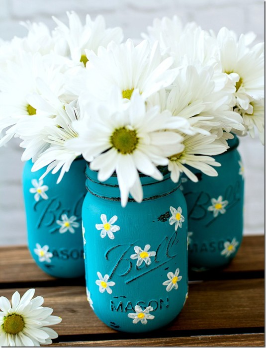 Ordinary Mason Jar Decor Part - 13: Painted Mason Jars With Daisies