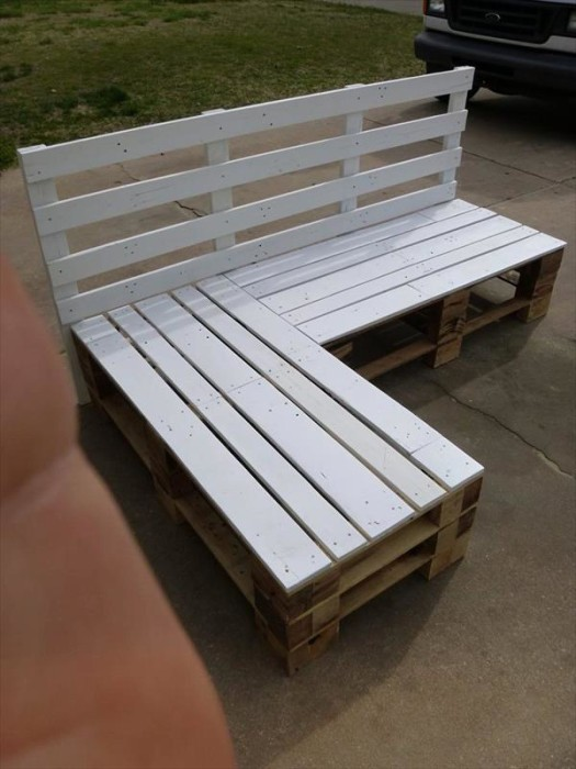 DIY Pallet Sectional Bench. 110 DIY Pallet Ideas for Projects That Are Easy to Make and Sell