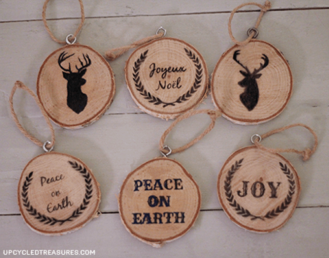 40 DIY Homemade Christmas Ornaments To Decorate the Tree
