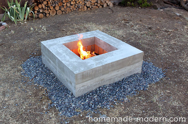 39 diy backyard fire pit ideas you can build for How to build a fire pit with concrete blocks