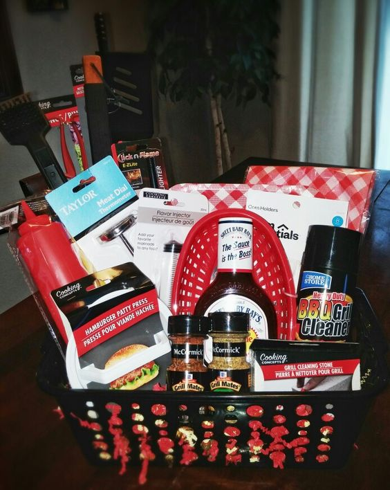 Bbq gift basket diy for Christmas kitchen gift basket ideas