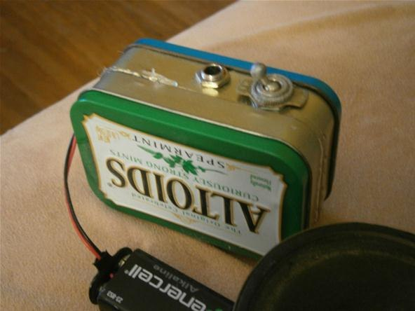 25 cool diy guitar art projects build your own mini amp altoids tin solutioingenieria Image collections