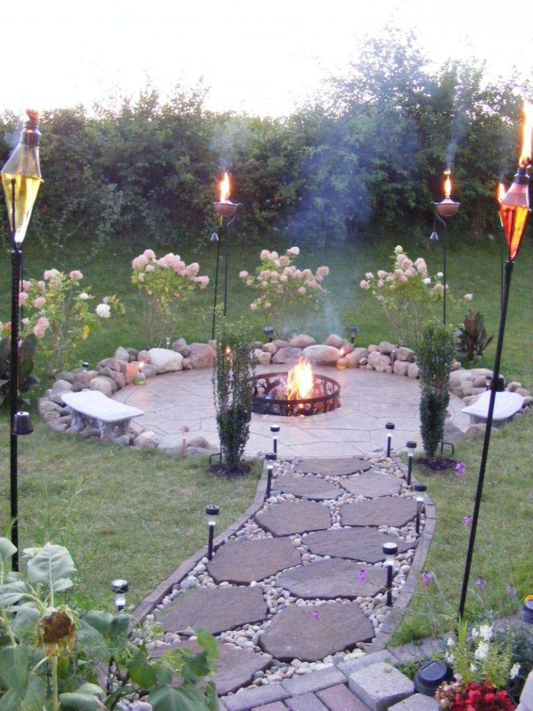 Perfect torches with flagstone walkway for inexpensive - Small backyard fire pit ideas ...