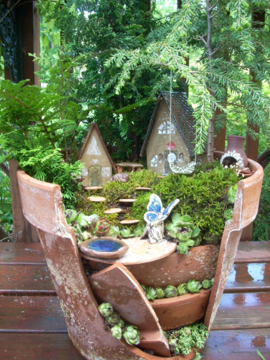 Fairy Garden in a Broken Terra Cotta Pot