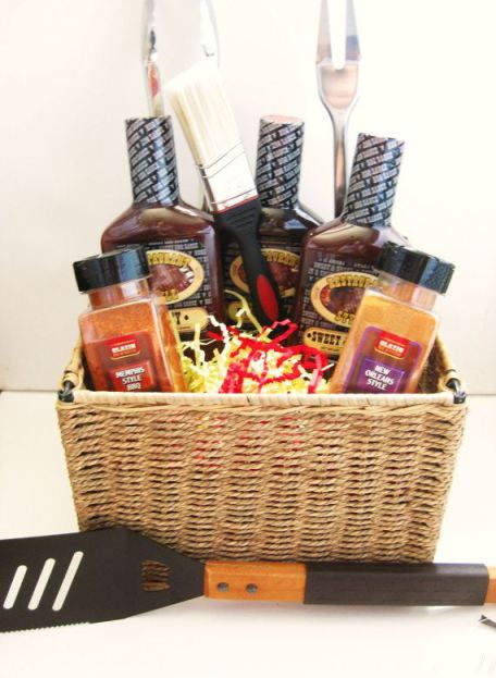 32 homemade gift basket ideas for men bbq basket bbq basket guys will solutioingenieria Image collections
