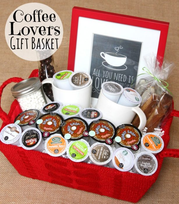 32 homemade gift basket ideas for men for Homemade christmas gift baskets for couples