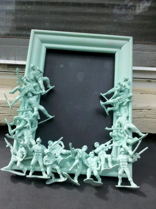 40 diy picture frames you can make sell for Cool picture frame designs