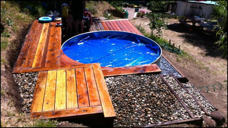 Livestock tank turned diy swimming pool for Diy small pool