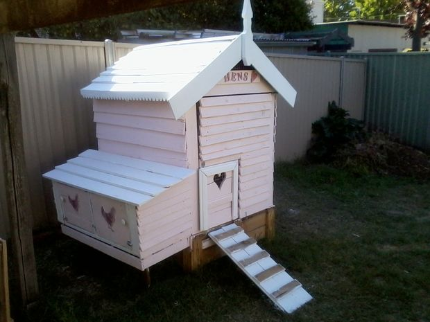 Fancy Backyard Chicken Coops : 36 DIY Backyard Chicken Coops  DIY Projects for Making Money  Big