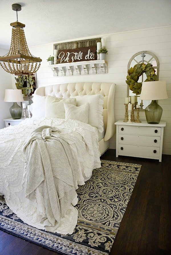 Cozy farmhouse bedroom makeover for Farmhouse bedroom decor
