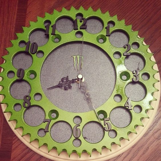 dirt-bike-sprocket-clock