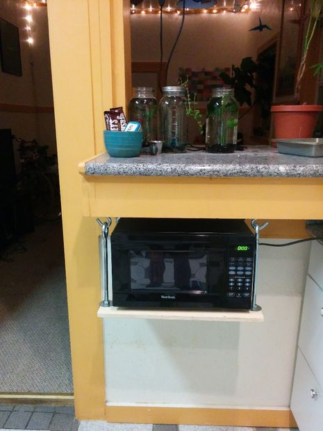 hanging-microwave-shelf