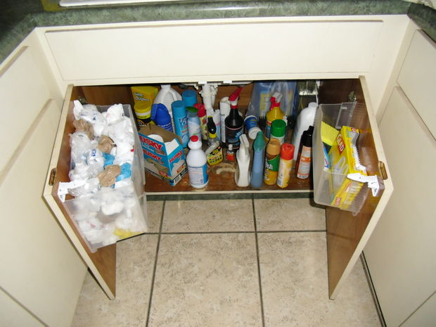 under-the-kitchen-sink-bag-storage