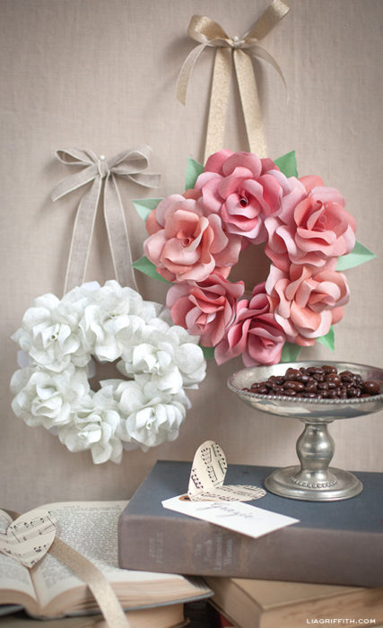 make-a-mini-rose-wreath