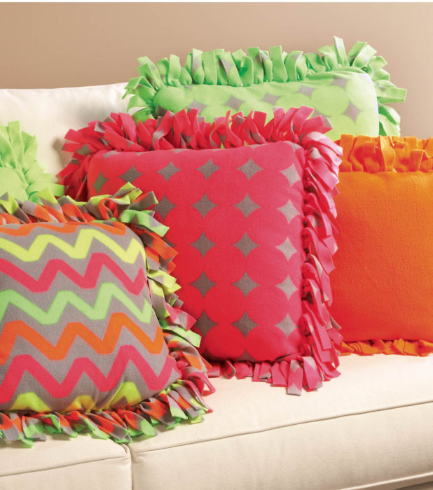 no-sew-fleece-pillows
