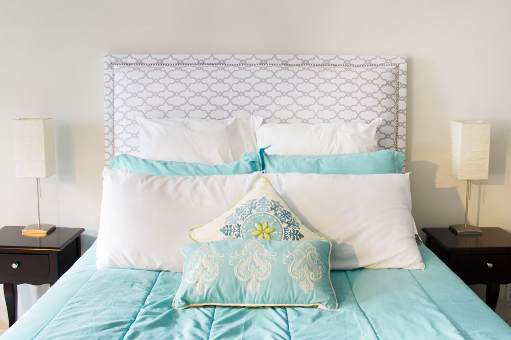Do it yourself fabric headboard for Do it yourself headboard