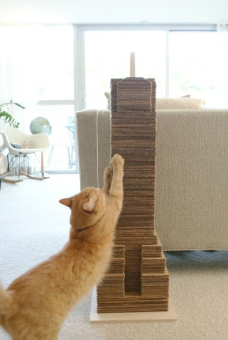 40 cool diy cat tree kitty condos or cat climbers for Diy cat tower cardboard