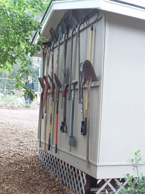 40 diy garden and yard tool storage ideas