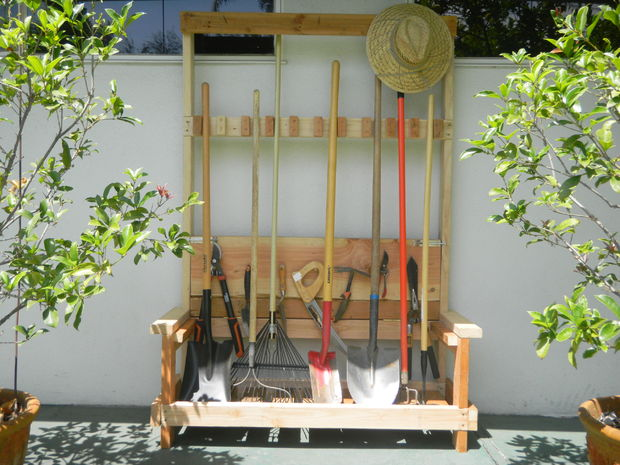 Good Garden Tool Rack With Foldable Bench