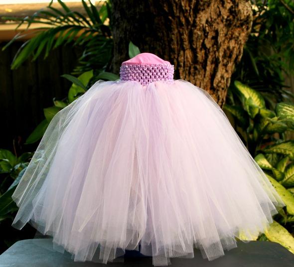 45 DIY Tutu Tutorials for Skirts and Dresses