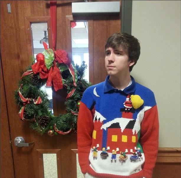 53 diy ugly christmas sweater ideas santa ugly christmas sweater solutioingenieria Images