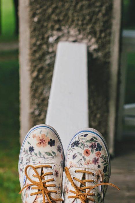 floral-vans-restyle-diy