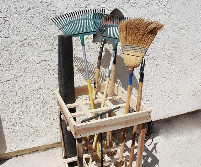 DIY Garden Tool Rack