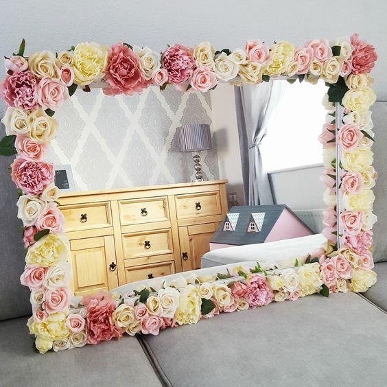 40 Diy Home Decor Ideas: DIY Flower Mirror